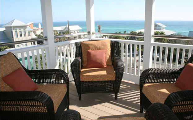 CONTEMPORARY COMFORTS IN THE VINTAGE ATMOSPHERE OF OLD SEAGROVE